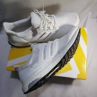 Sepatu Pria Adidas Ultra Boost 4.0 triple white original size EUR 45