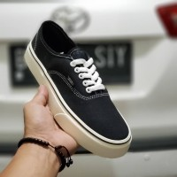 VANS AUTHENTIC UNISEX 36-43 SNEAKERS