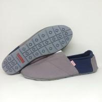 Sepatu Slip on Wakai Pria Wanita Sepatu Slop Santai Jalan