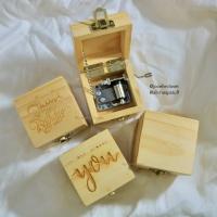 Kotak Musik Kayu