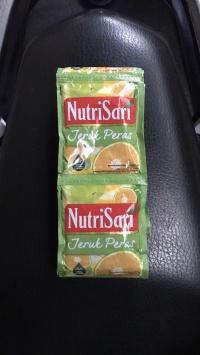 Nutrisari Jeruk Peras 1 Renceng / 10 Sachet / Sashet / Saset / Pcs