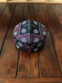 peci pakistan aneka motif warna dan ukuran perlengkapan sholat pria