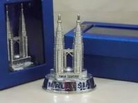 Pajangan Miniatur Petronas Tower (8,5cm), Souvenir Unik  KL Malaysia