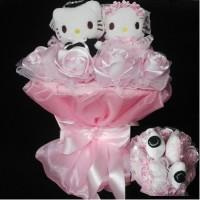 Hand bouquet bunga tangan hello kitty 2 pasang pengantin pink