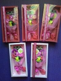 Coklat valentine buket bunga box eksklusif