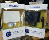 WELLCOMM Travel Charger 2.1 Ampere Fast Dual USB ready black n white