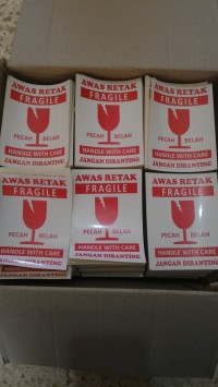 sticker fragile waterproof 12x9 cm pecah belah