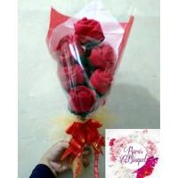 Hand bouquet bunga mawar flanel isi 6 tangkai untuk anniversary dll