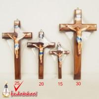 Salib Dinding /Gantung Kayu Courpus Fiber glass 25cm - Souvenir/ Arca