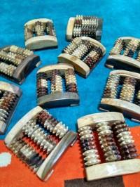 Alat Pijat Kayu Sonokeling untuk Kaki 3 Gerigi