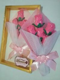 buket coklat bentuk bunga mawar