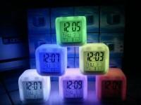 Jam Moody Kubus Berubah 7 Warna + Pengukur Suhu Jam Waker Alarm HHM117