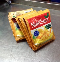 NutriSari 1 Renceng   American Sweet Orange ( 14 gr @ 10 Sachet )