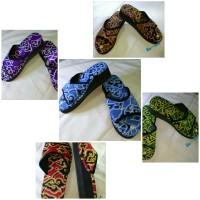 Wedges slop batik megamendung
