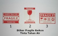 Stiker Fragile 6cm x 4cm Sticker Kromo Tahan Air