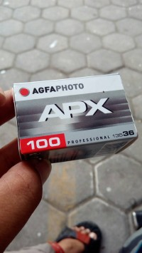roll film negatif agfa APX 100 black and white