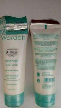 WARDAH ESSENTIAL FACIAL WASH