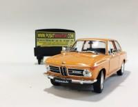 BMW 2002ti - SKALA 1:24 - WELLY (DIECAST-MINIATUR)