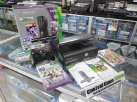 XBOX 360 Slim Console 250GB Kinect Holiday Bundle