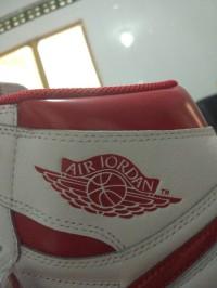 Nike AIR JORDAN 1 RETRO HIGH OG WHITE RED  size 14