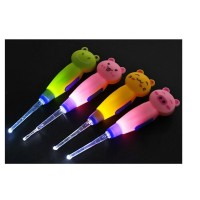 Korek Kuping LED motif kartun / ear pick LED motif kartun