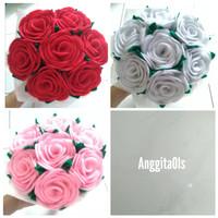 buket bunga mawar / buket mawar wisuda / buket bunga mawar flanel
