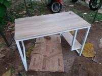 Meja Kantor atau Meja Belajar atau meja warnet atau Meja Komputer