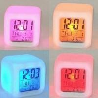 Moody Clock Glowing LED jam meja kubus Digital Alarm 7warna