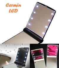 jual Cermin LED (terdapat 8 butir lampu LED, cermin rias wajah