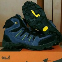 sendal gunung outdoor sepatu Jack wolfskin hiking tracking eiger sport