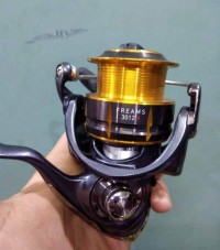 Reel Spinning Daiwa Freams 3012H 4 BB Drag 7 Kg Fishing Reel Pancing