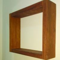 Rak dinding kotak kayu solid