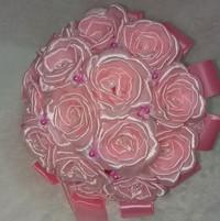 Hand bucket 046 Rose Merekah - buket-bunga satin pengantin - Wisuda