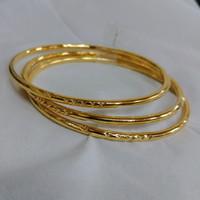harga Gelang keroncong lidi ukir motif isi 3 lapis emas kuning 24k Tokopedia.com