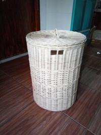 keranjang laundry rotan bulat bertutup ukuran diameter 35cm tinggi 50c