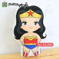 Wonder Woman Bantal Boneka Plushie Pillow Doll Kado Ulang Tahun Ultah