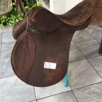 pelana kuda kulit