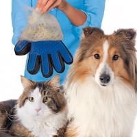 True Touch Pet Deshedding Glove Sarung Tangan Grooming Kucing Anjing