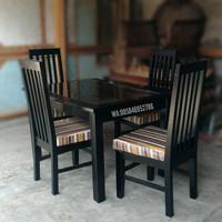 Meja Makan Jati warna HITAM (DP)