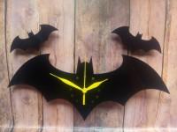 Jam dinding Akrilik Batman Jarum Kuning