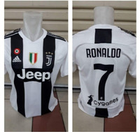 JERSEY JUVENTUS HOME NAMESET RONALDO NOMOR 7 NEW SEASON