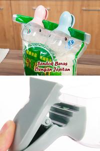 Sendok Beras Takar Dengan Jepitan karung tepung model Animal dapur se