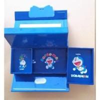 Kotak Pensil Kunci Kode karakter 3D atau tempat pensil tingkat