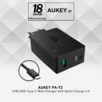 Aukey PA-Y2 33W USB Type C Wall Charger with Quick Charge 3.0 - Hitam
