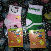 Kaos kaki anak karakter kartun untuk TK atau PAUD