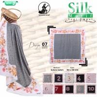 Jilbab Segi Empat satin silk motif Bunga UMAMA - seri : 07