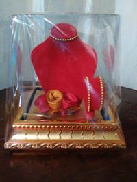 Tempat Mahar perhiasan pernikahan kalung gelang