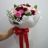 Buket Bunga / Hand Bouquet / Buket Bunga Wisuda / Bunga Mawar / rose