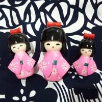 Souvenir negara Jepang - boneka kokeshi kayu isi 3