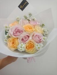 Hand Bouquet / Buket Bunga Wisuda / Bucket Bunga / Bunga Mawar